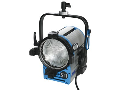 ARRI True Blue® ST1 MAN 220 - 250 V~ black Schuko connector L3.40505.D - 0