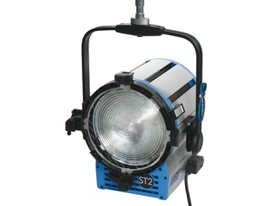 ARRI True Blue® ST2/3 MAN 220 - 250 V~ blue/silver Schuko connector L3.40750.D - 0
